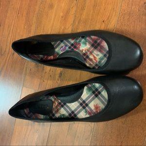 Born Black Leather Ballet Shoes